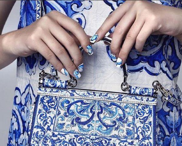 On the tiles    Majolica-inspired nail wraps