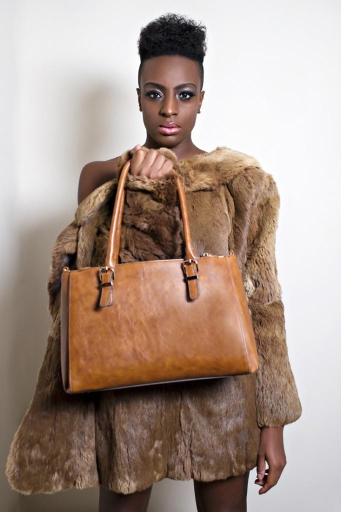 02_Ravinder_Crone_Photographer_Handbag_Lookbook