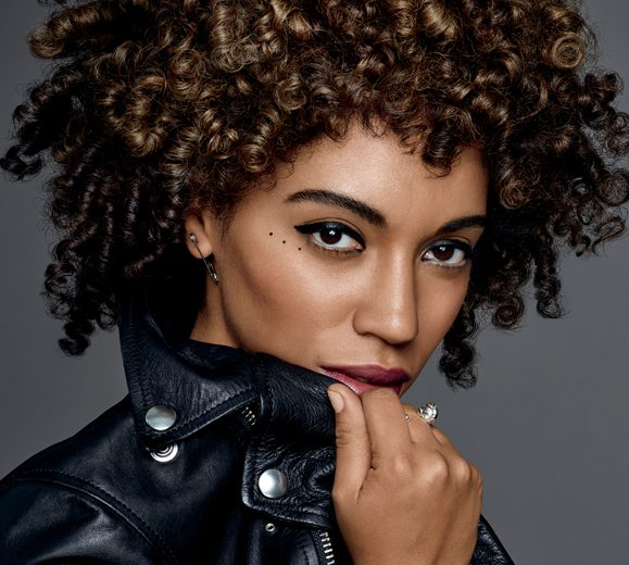 Jetta – new face of Redken's new curl range