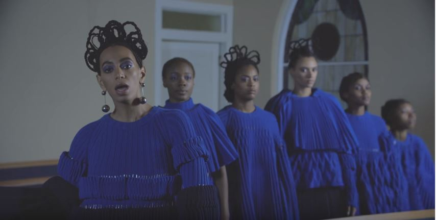 Solange dons a crown of braids