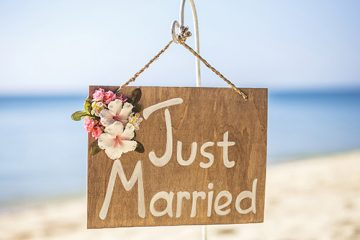 10 honeymoon essentials
