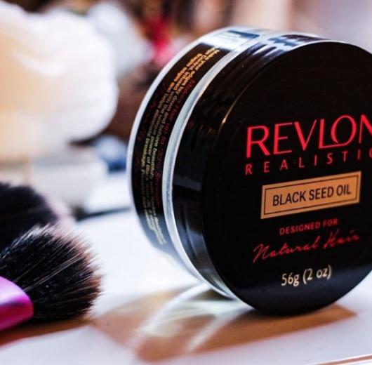 Unboxing Revlon Realistic