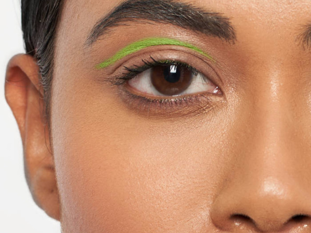 Summer beauty trends: Neon eyes