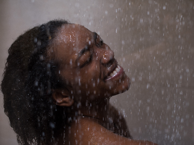 We put  two shower heads to the wash day test